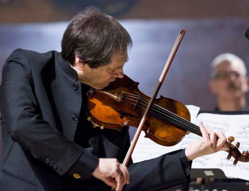 """El virtuoso violinista italiano Guido Rimonda vuelve a la USM con su """"violín negro"""" y la pianista Cristina Canziani"""